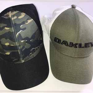 Lot of 2 Oakley Flex Camo Trucker Style Hats